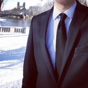 Anzug im Schnee